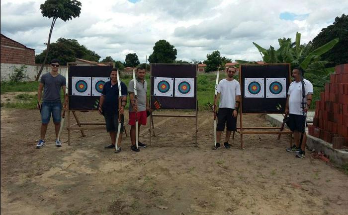 Arqueiros de Barreira fazem o primeiro torneio de tiro com arco fora de Fortaleza.